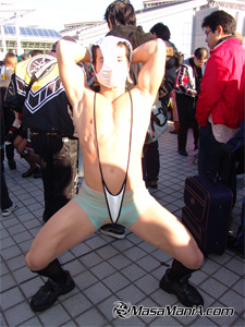 Photo of Kamikaze cosplayer gallery, 2004 winter comike report 02